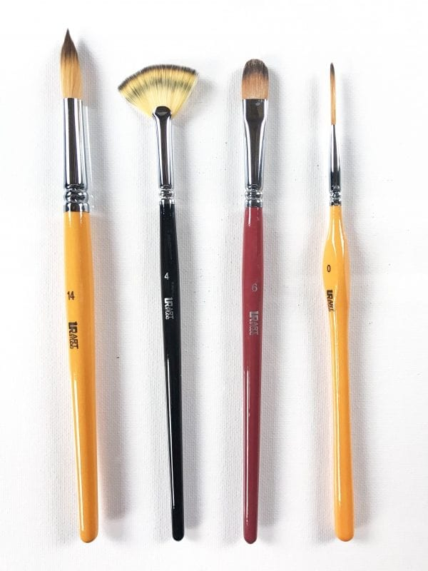 4-brushes-fan-round-liner-filbert2-copy