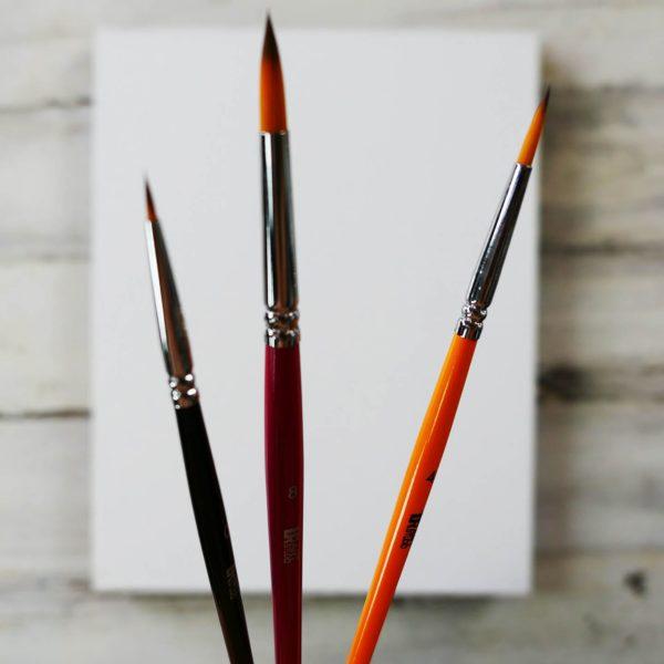 3 fine detail brushes